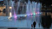 Le fontante danzanti inaugurano la Festa del Borg (Foto Fabrizio Petrangeli)