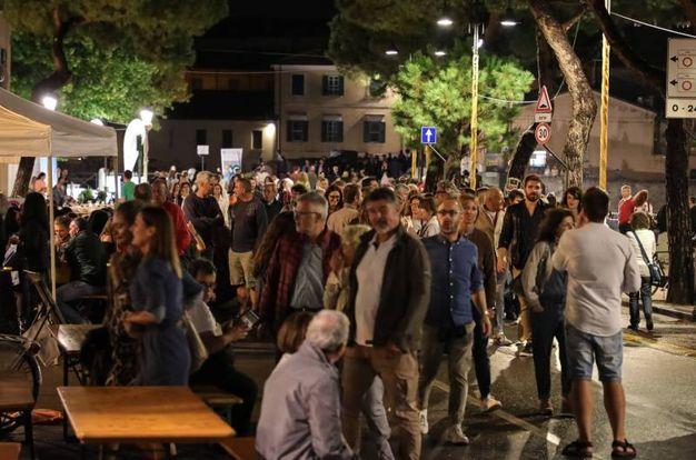 Allestimenti e spettacoli per le viuzze dell'antico borgo  (Foto Fabrizio Petrangeli)