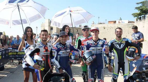 I piloti con le ombrelline a San Marino