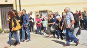 Lo strazio dei genitori all'addio nella chiesa di Cavriago (foto Artioli)