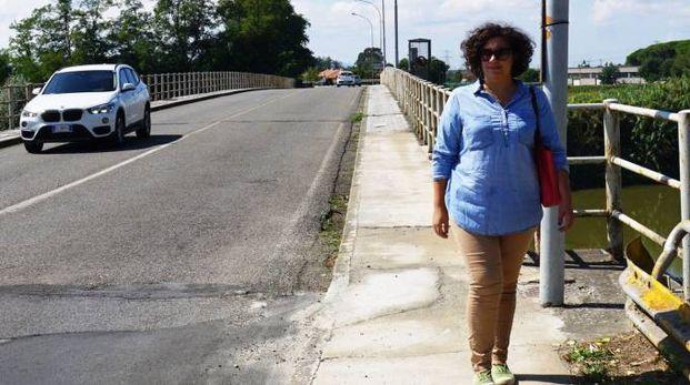 Il vecchio ponte ormai non più capace di sostenere grossi carichi