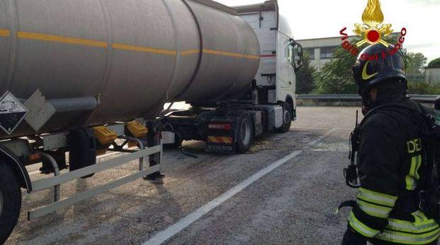 Ancona, l'intervento dei vigili del fuoco