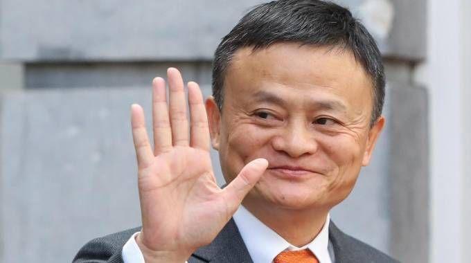 Jack Ma, fondatore di Alibaba, è l'uomo più ricco della Cina (Ansa)