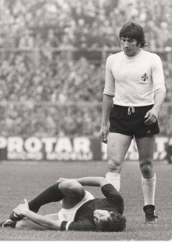 Galdiolo aveva militato in serie A dal 1970 al 1980 nella Viola, con cui vinse una coppa Italia nel 1975