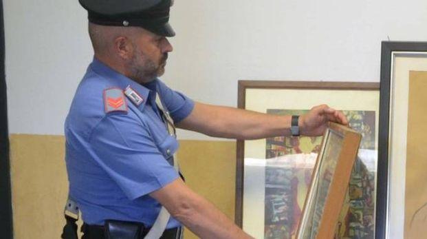 Ritrovamento di dipinti da parte dei carabinieri (foto repertorio)