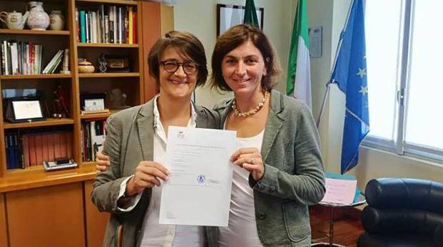 Rosaria Iardino insieme al sindaco Michela Palestra