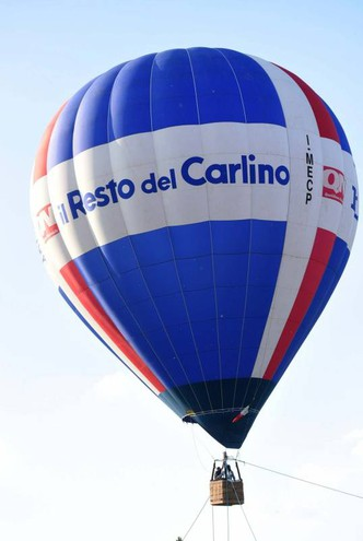 Il volo della mongolfiera del nostro giornale (foto Businesspress)