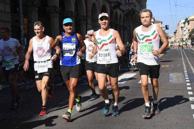 La corsa dei bolognesi (foto Schicchi)