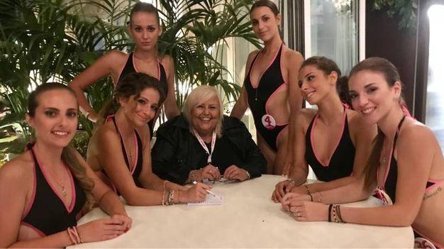 Le miss con la grafologa Mirko Cesari