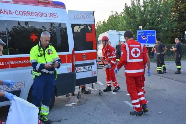 Nell'incidente sono rimaste ferite quattro persone (Foto Artioli)