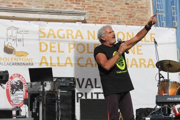 Intanto Adriano Pappalardo conquista il palco e il pubblico