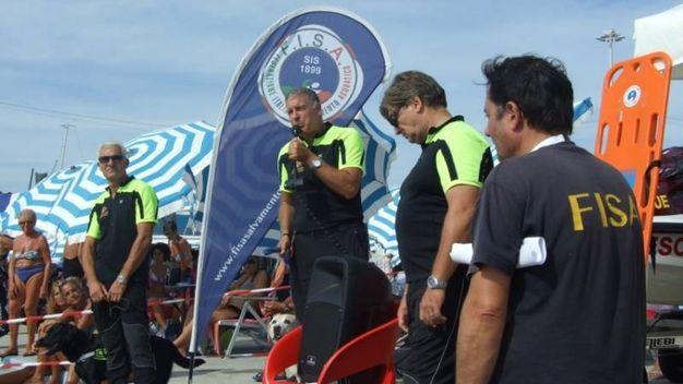 Ai Bagni Nettuno di Livorno la manifestazione di salvamento in acqua