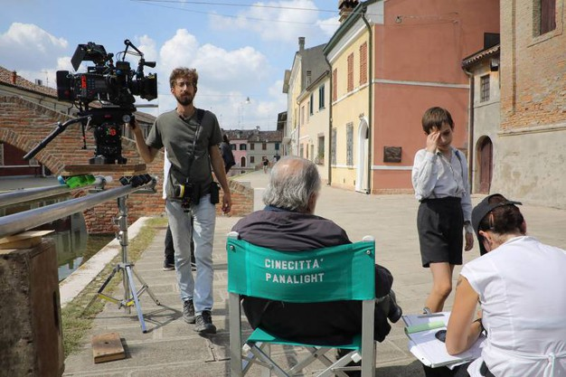 A Comacchio il set cinematografico del film 'Il signor diavolo', nuova pellicola del regista Pupi Avati (foto Samaritani)