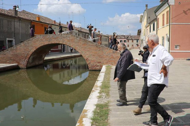 Pupi Avati gira il suo nuovo film a Comacchio (foto Samaritani)