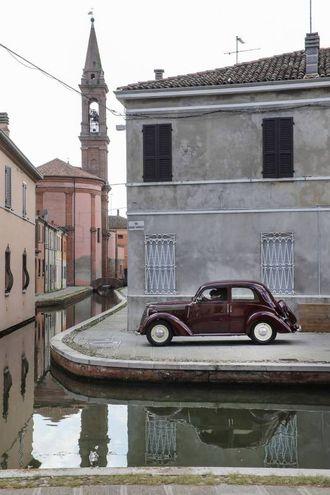 Le vie di Comacchio sono tornate nuovamente indietro nel tempo (foto Samaritani)