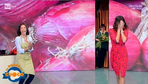Un fermo immagine tratto dalla trasmissione 'La prova del cuoco' in onda su Rai Uno (Ansa)