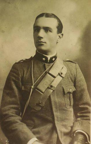 Corticelli Cassiano (22/06/1889 - 18/08/1917) Iscritto alla facoltà di Scienze matematiche, fisiche e naturali, a.a. 1914-15 IV anno
