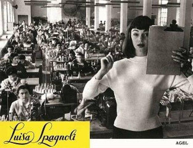 Ivy Nicholson all'interno dello stabilimento Luisa Spagnoli nel 1954