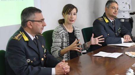 Il colonnello della Finanza Dinoi, il colonnello Tatone, il sostituto procuratore Alessia Iacopini