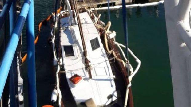 Lo yacht colato a picco
