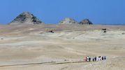 Turisti diretti all'area della tomba (Ansa)