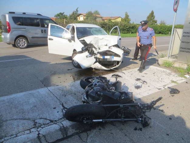 Tragedia in strada (foto Corelli)