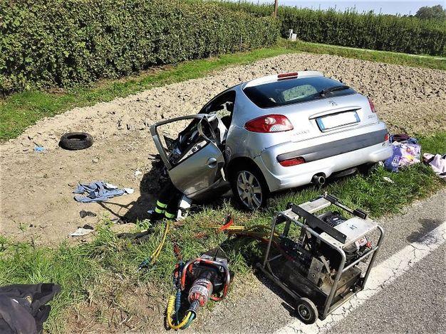 Al volante della Peugeot 206 c'era una 35enne (Scardovi)