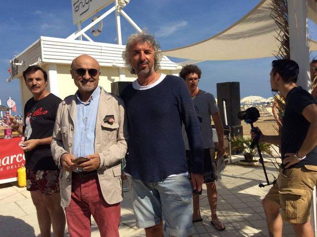 Marescotti con il titolare del Tortuga Maurizio Bronzetti