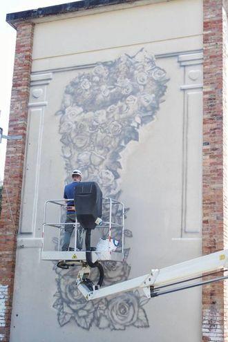 La nuova opera di Eron (foto Petrangeli)