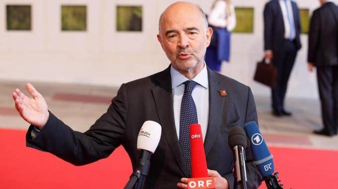 Il commissario europeo Pierre Moscovici (Ansa)