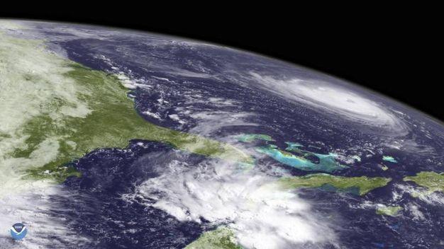 L'uragano Florence nelle immagini satellitari NOAA (Ansa)