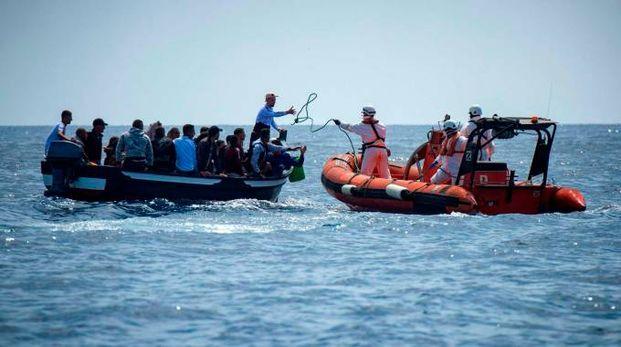 Migranti nel Mediterraneo (LaPresse)