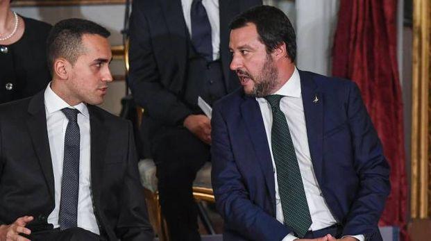 Prende forma la manovra. Nella foto i vicepremier Di Maio e Salvini (foto Ansa)