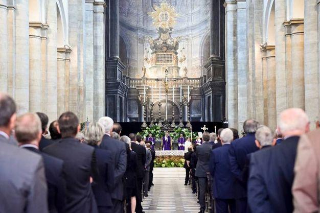 L'interno del Duomo (LaPresse)