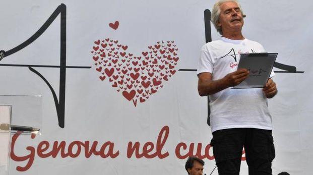 Tullio Solenghi ricorda le vittime del crollo del ponte Morandi  (Ansa)