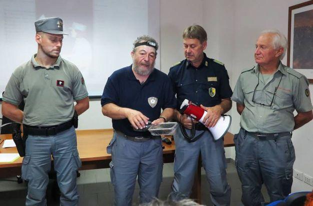 Due fratelli residenti nella provincia di Pesaro hanno sparato in località Serra di Valpiano (Comune di Pennabilli), nella direzione di una pattuglia di Carabinieri Forestali e Guardie Venatorie (foto Migliorini)