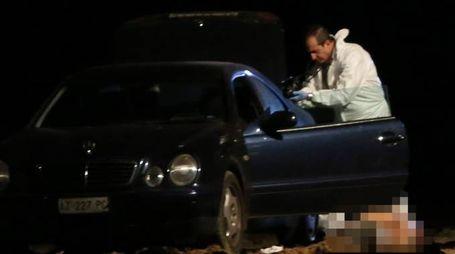 L'auto in cui si è consumato l'omicidio