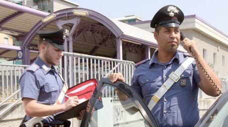 Sul furto indagano i carabinieri. Ad aiutarli le immagini delle telecamere di sicurezza dei negozi della zona