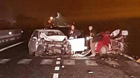 Le auto accartocciate sulla statale adriatica dopo il tamponamento delle 2.40 della notte scorsa