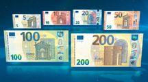 Le nuove banconote da 100 e 200 euro (Dire)