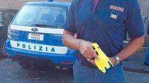 La pistola elettrica entrata in sperimentazione a Reggio dal 5 settembre scorso: è in dotazione solo alla questura