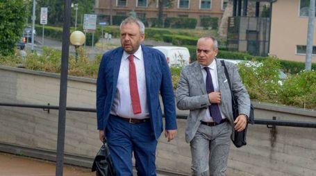 L'ex sindaco di Lodi Simone Uggetti fu arrestato il 3 maggio del 2016, con l'accusa di turbativa d'asta