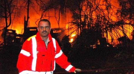 Un'immagine dell'incendio scoppiato alla stazione nelle terribile notte del 29 giugno 2009 (Umicini)