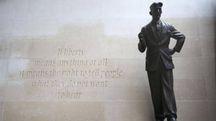 La statua a George Orwell di fronte alla sede di BBC – Foto: Philip Toscano/PA Wire