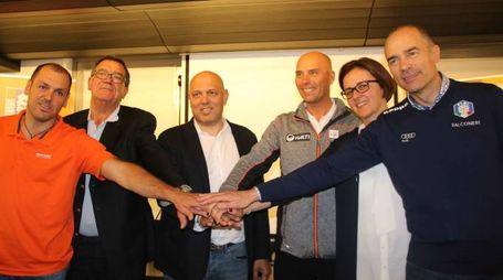 Al centro l'assessore regionale alla Montagna e piccoli Comuni, Massimo Sertori (ANP)