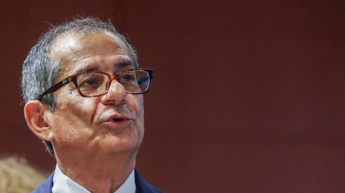 Pensioni, si lavora alla riforma. Nella foto il ministro Giovanni Tria (Ansa)