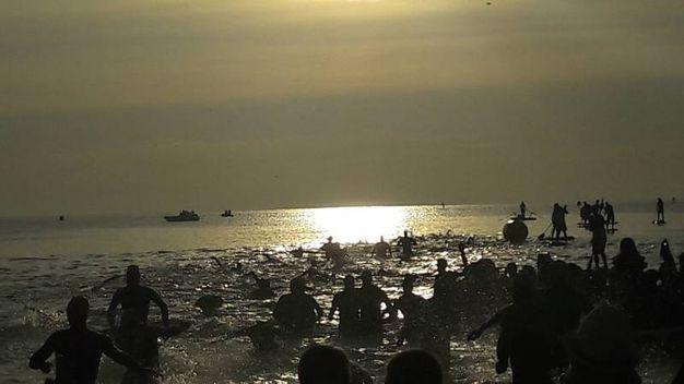 Prima frazione dell'Ironman in mare, poi bicicletta e corsa (foto Degidi-Bedeschi)