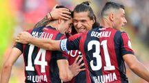 Bologna-Roma 0-2, Santander festeggia coi compagni (LaPresse)