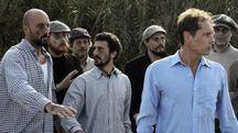 Una scena del video con (a destra) D'Acquisto interpretato da Stefano Lizzul