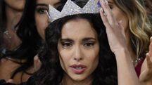 Carlotta Maggiorana con la corona di Miss Italia (Foto Ansa)